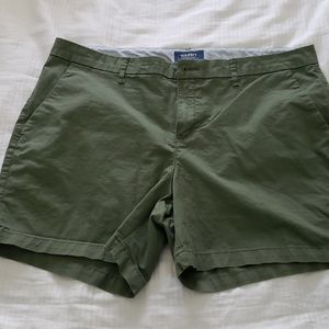 Old Navy olive green shorts